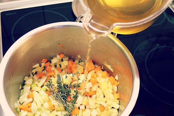Fenchel-Möhrensüppchen Gemüse anschwitzen
