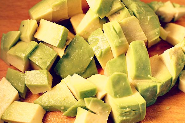Avocado würfeln