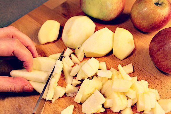 Äpfel würfeln