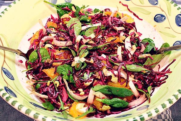 Salat umrühren